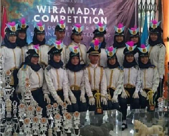 Juara 1 Favorit Wiramadya Competition - Team Paskibra